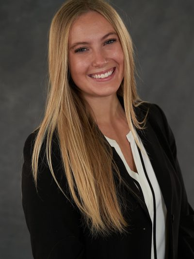 Eleanor Winner of December's 2020 College Movers Working Student Scholarship